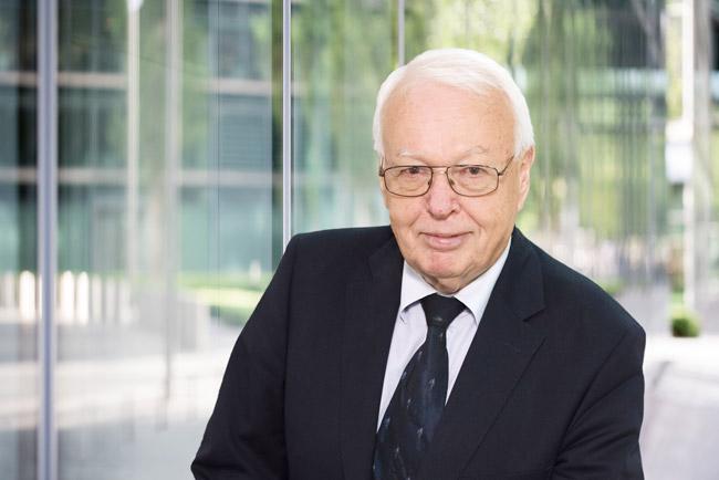Dr. jur. Rainer Hess